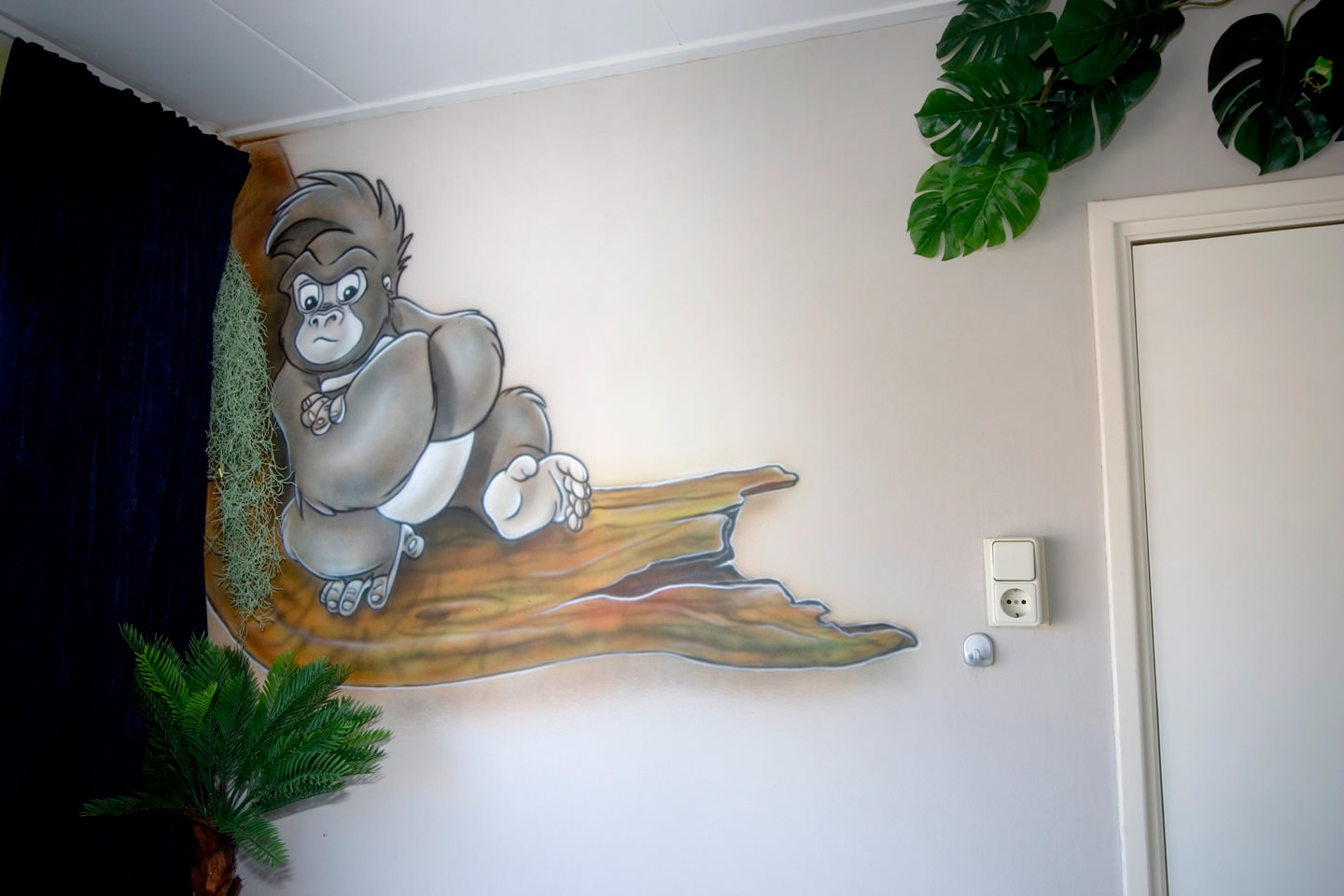Jungle book airbrush muurschildering in jungle kinderkamer