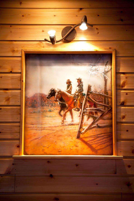 Saloon raampje muurschildering in de horeca