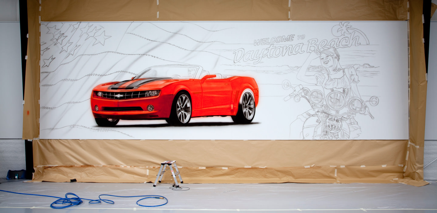 Making of muurschildering American showroom Camaro