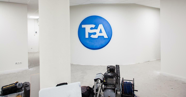 TSA logo schildering