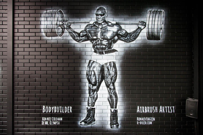 Bodybuilder Ronnie Coleman, MR. Olympia. Krachtsporters muurschildering Maasland