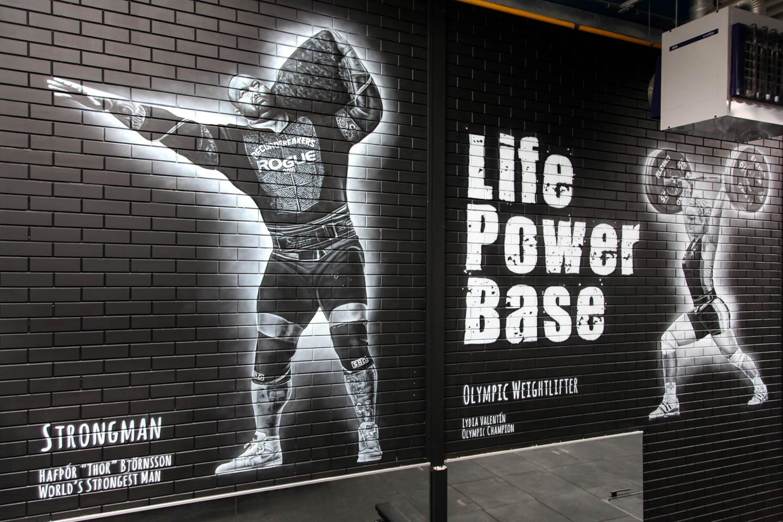 Strongman Thor Bjornsson, World's strongest man. Krachtsporters muurschildering Maasland.