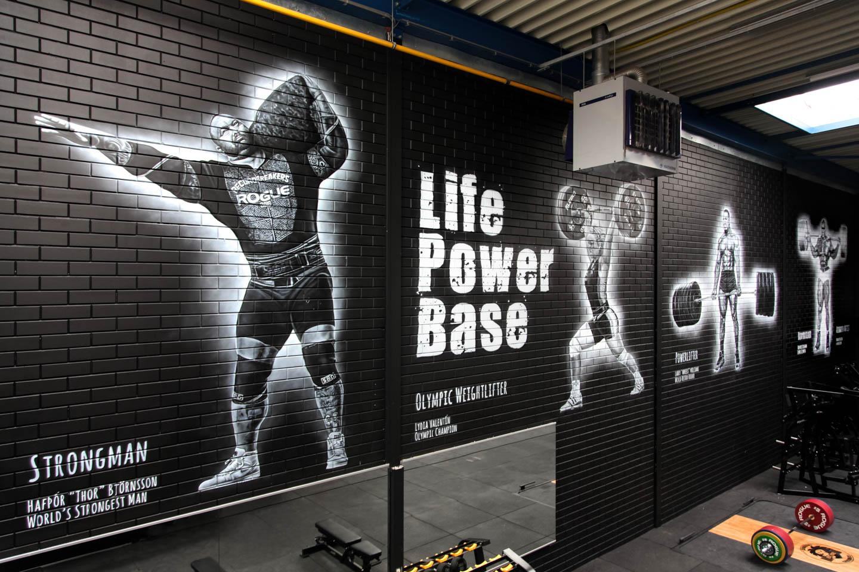 Strongman Thor Bjornsson, World's strongest man. Krachtsporters muurschildering Maasland